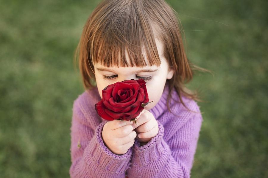 dijete-i-cvijet_mala
