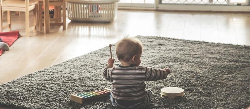 dijete-svira-ksilofon